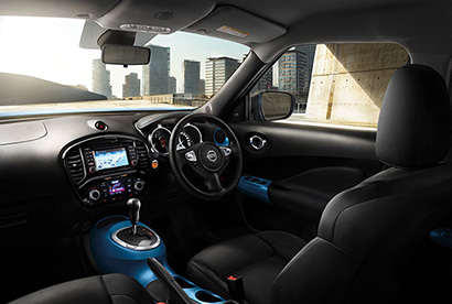 nissan juke interior with blue accents