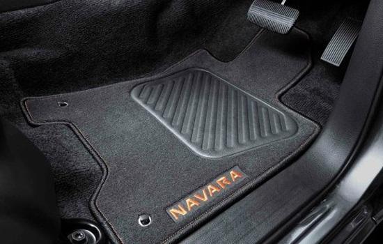 Orange Accented Floormats Dark orange accented floor mats to compliment the dark orange accented interior.